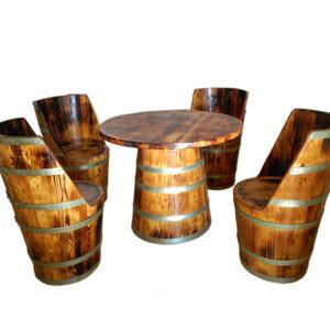 mesa y sillones cónicos