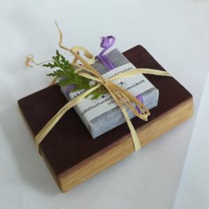 Jabón exfoliante de cabernet sauvignon con jabonera de duela