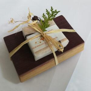 Jabonera de duela con jabón de Souvignon blanc