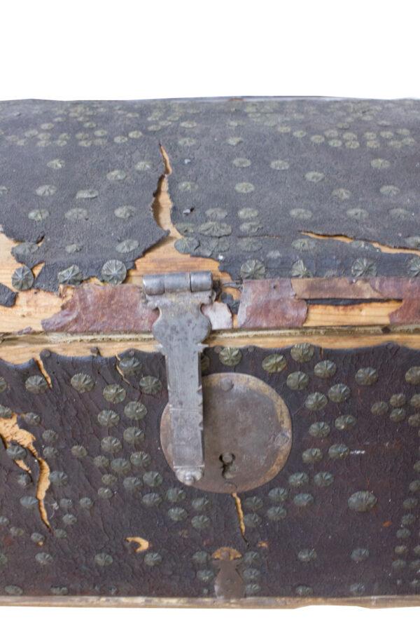 Baúl de aranceles detalle cerrojo